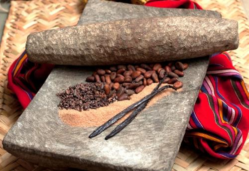 "Pierre traditionnelle mexicaine pour écraser le cacao (""Metate"")"